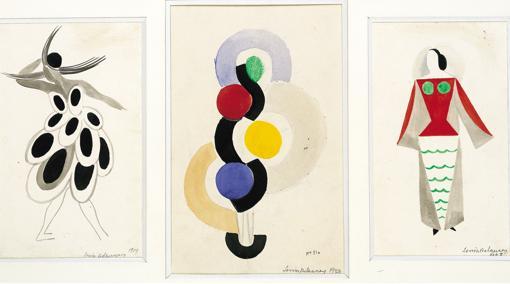 Tres diseños de Sonia Delaunay: Traje nº 1540 para la vedette Gaby, «Vestido simultáneo, ritmo sin fin» y Traje nº 1539 para una obra de teatro de Tristan Tzara