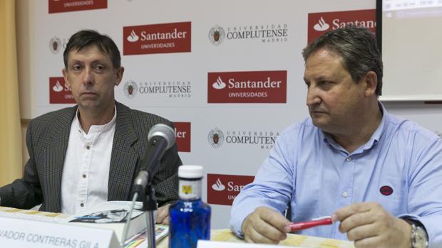 Salvador Contreras, junto a José Luis Ferris, en un momento del curso que impartieron en El Escorial