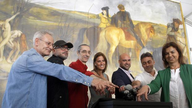 Los directores de la Semana Negra de Gijón, Ángel de la Calle (i) y José Luis Paraja (3i)