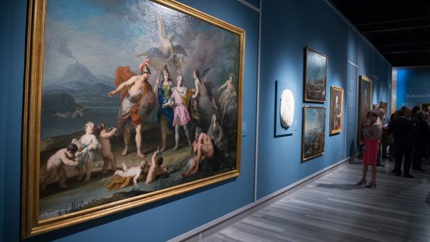 La exposición sigue los pasos de Carlos III a través de su viaje por el Mediterráneo