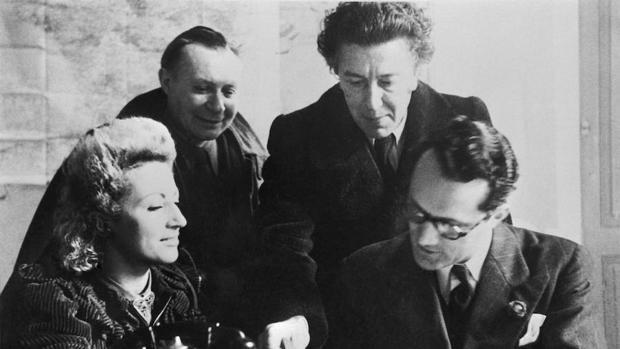 De derecha a izquierda, Varian Fry (con gafas), André Breton, André Masson y su mujer, Jacqueline, en Marsella en 1941