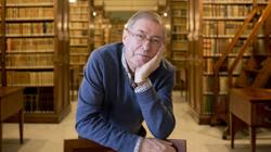 Félix de azúa, autor de «Nuevas lecturas compulsivas»