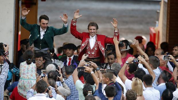 Andy Cartagena y Pablo Hermoso de Mendoza salen a hombros de Vista Alegre