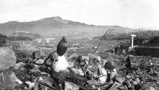 Detalle de un templo destruido, arrasado por la bomba atómica