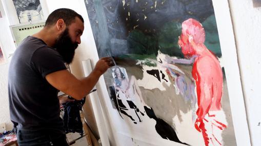 Anthony Stark trabaja en una de sus obras