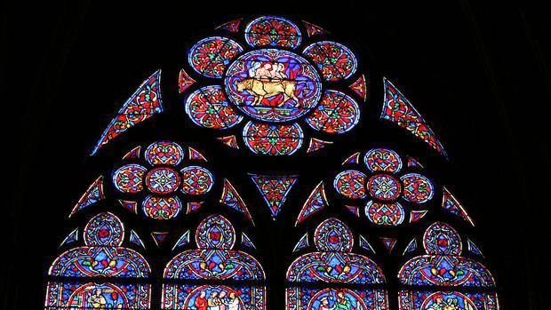 Vidriera de la catedral de Notre Dame de París