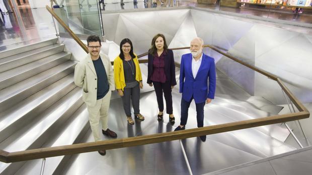 De izquierda a derecha, Asier Mendizabal, Elisa Durán, Elba Benítez y Han Nefkens, ayer en CaixaForum Madrid