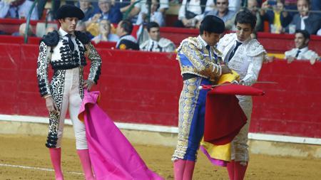 Alternativa de Leo Valadez del manos de Joselito Adame y en presencia de José Garrido