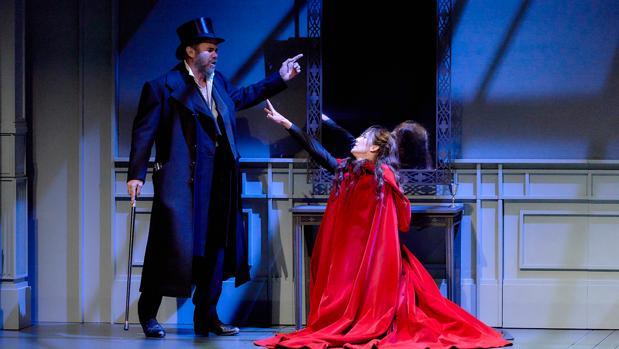 Joaquín Notario y Marta Poveda, en una escena de la obra