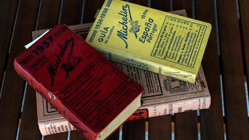 Guías y anuarios permiten moverse con datos reales de la época