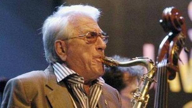 El saxofonista Pedro Iturralde