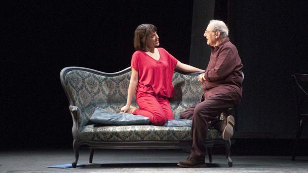 Rocío Peláez y Emilio Gutiérrez Caba, en una escena de «Después del ensayo»