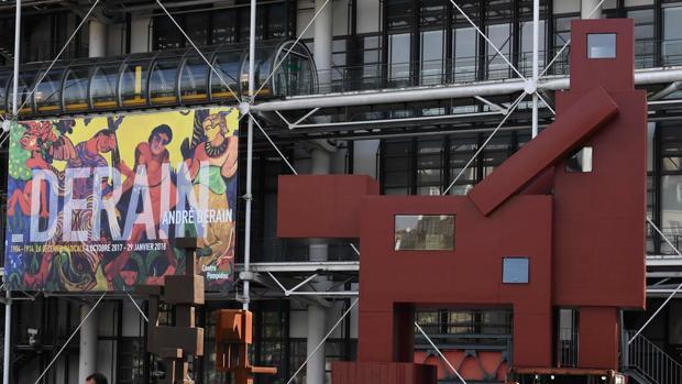 «El Domestikator» en frente del Centro Pompidou de París