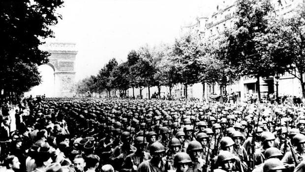Desfile de las tropas norteamericanas en la liberación de París