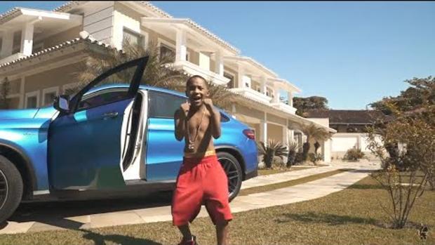 Una escena del polémico videolcip de Mc Doguinha