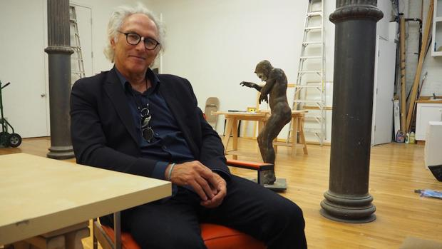 El pintor estadounidense Eric Fischl, fotografiado en su estudio