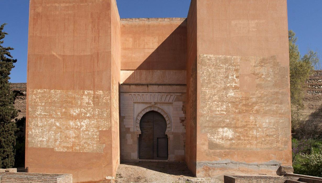La Alhambra abre este mes al público la enigmática Puerta de los Siete Suelos