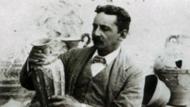 Sir Arthur Evans, descubridor del Palacio de Cnosos