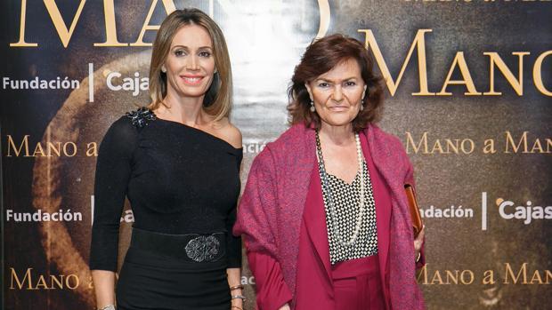 Cristina Sánchez y Carmen Calvo, mano a mano en Sevilla