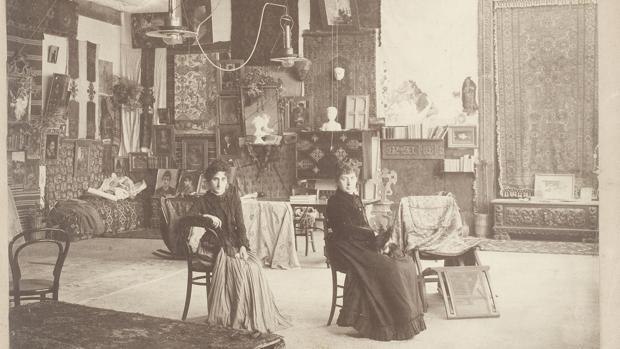 Interior del Palacio Martinengo de Venecia, con Cecilia de Madrazo y su hija María Luisa