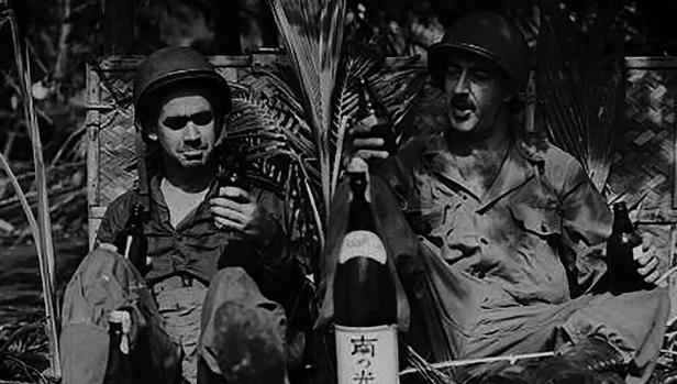 En Vietnam (arriba) los mayores problemas vinieron del alcohol