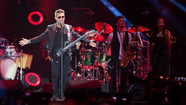 Alejandro Sanz lanza el disco que grabó en el Vicente Calderón