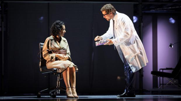 Nina y Roger Berruezo, en una escena de la obra