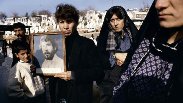 Fotografía de la serie «Kurdistán» (1991), de Susan Meiselas