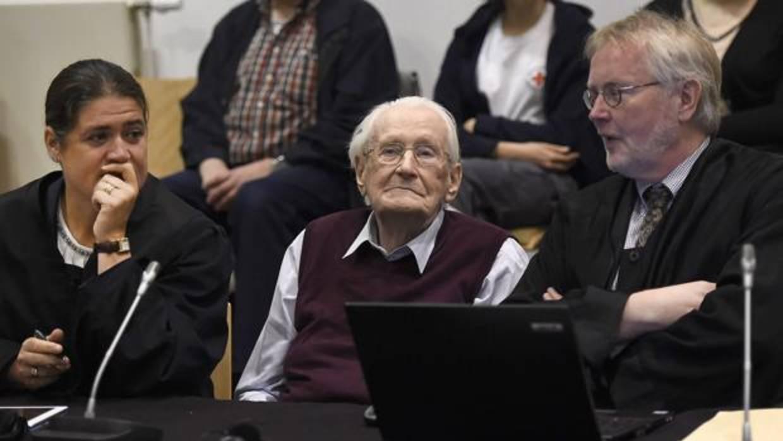 El «contable de Auschwitz» entra en prisión a los 96 años