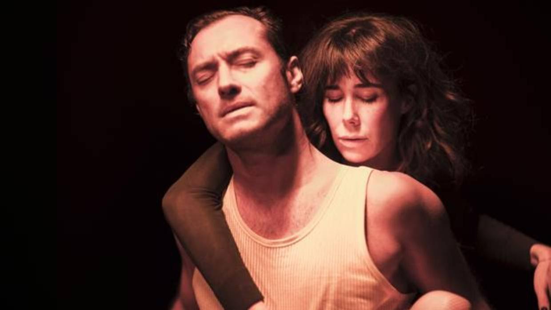 Jude Law se obsesiona en los cines españoles