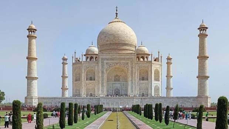 La India limitará a 40.000 el número de visitantes diarios al Taj Mahal