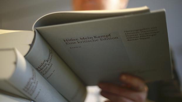 A finales de enero llegará a las librerías la sexta edición de «Mein Kampf», la obra de Adolf Hitler