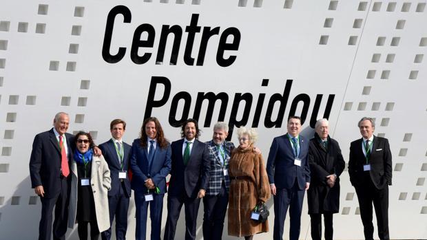El Juli (tercero por la izquierda), con el resto de galardonados en el Centro Pompidou de Málaga