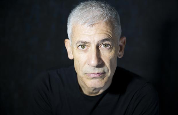 El escritor José Ovejero
