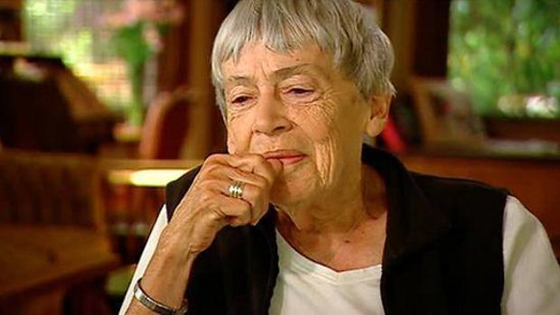 La escritora estadounidense Ursula K. Le Guin (1929-2018)