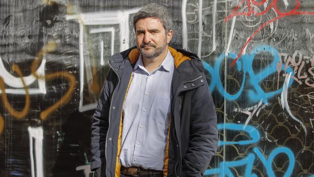 El escritor Daniel Ruiz, fotografiado en Sevilla