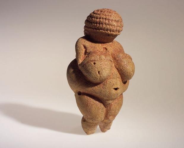 La Venus de Willendorf, la escultura que Facebook considera pornográfica