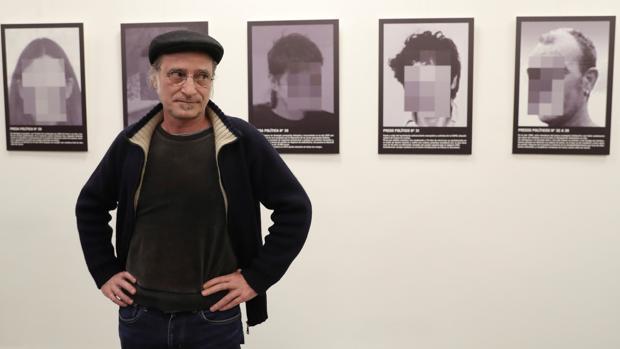 El artista Santiago Sierra