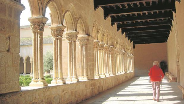 El bello claustro de Santa María la Real de Nieva
