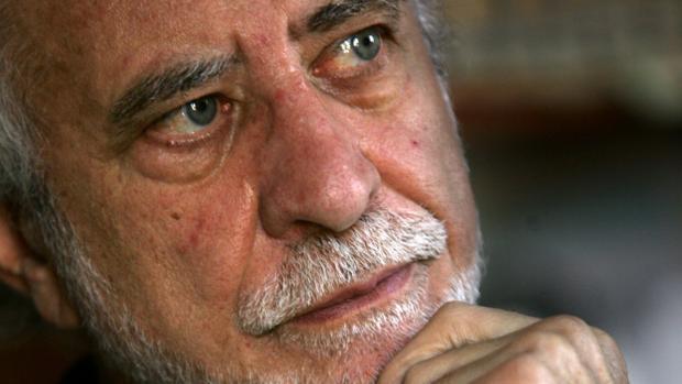 El escritor y académico José María Merino