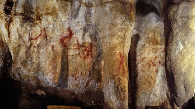 La «escalera» de La Pasiega, de más de 64.000 años