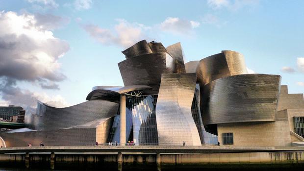 Fachada de titanio del Guggenheim