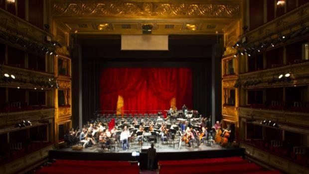 Un ensayo de la orqueesta en el Teatro de la Zarzuela