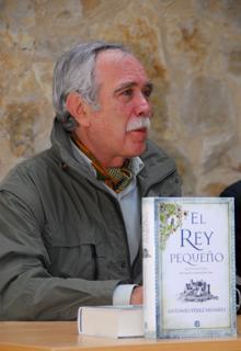 Antonio Pérez Henares, durante la presentación de «El rey pequeño»