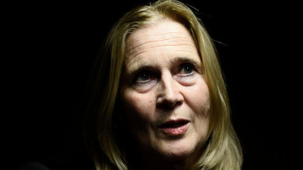 Katarina Frostenson, la secretaria de la Academia Sueca que anuncia el Nobel de Literatura que ha presentado su renuncia