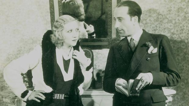 Arnold, con la actriz María Fernanda Ladrón de Guevara