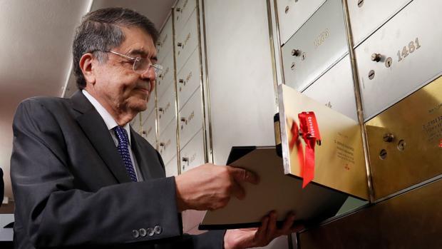 Sergio Ramírez deposita su legado en la Caja de las Letras