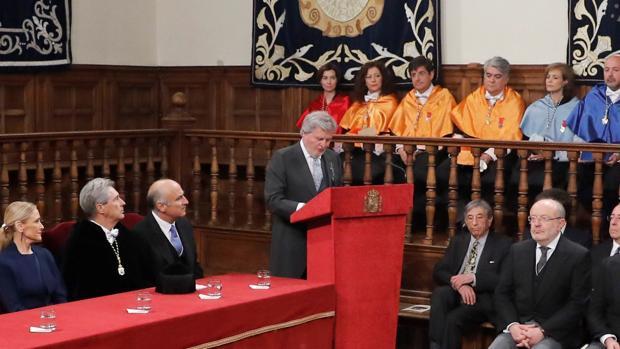 intervención del ministro de Educación, Íñigo Méndez de Vigo, durante el acto de entrega del Premio Cervantes al escritor nicaragüense Sergio Ramírez