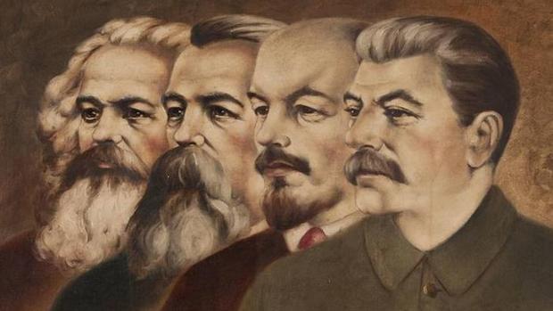 De izquierda a derecha, Marx, Engels, Lenin y Stalin