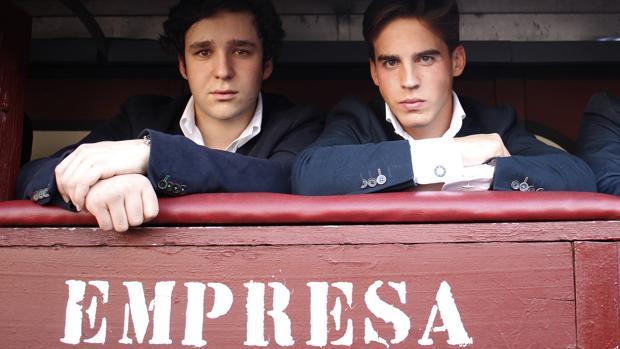 Gonzalo Caballero, con Felipe, en el burladero de Empresa